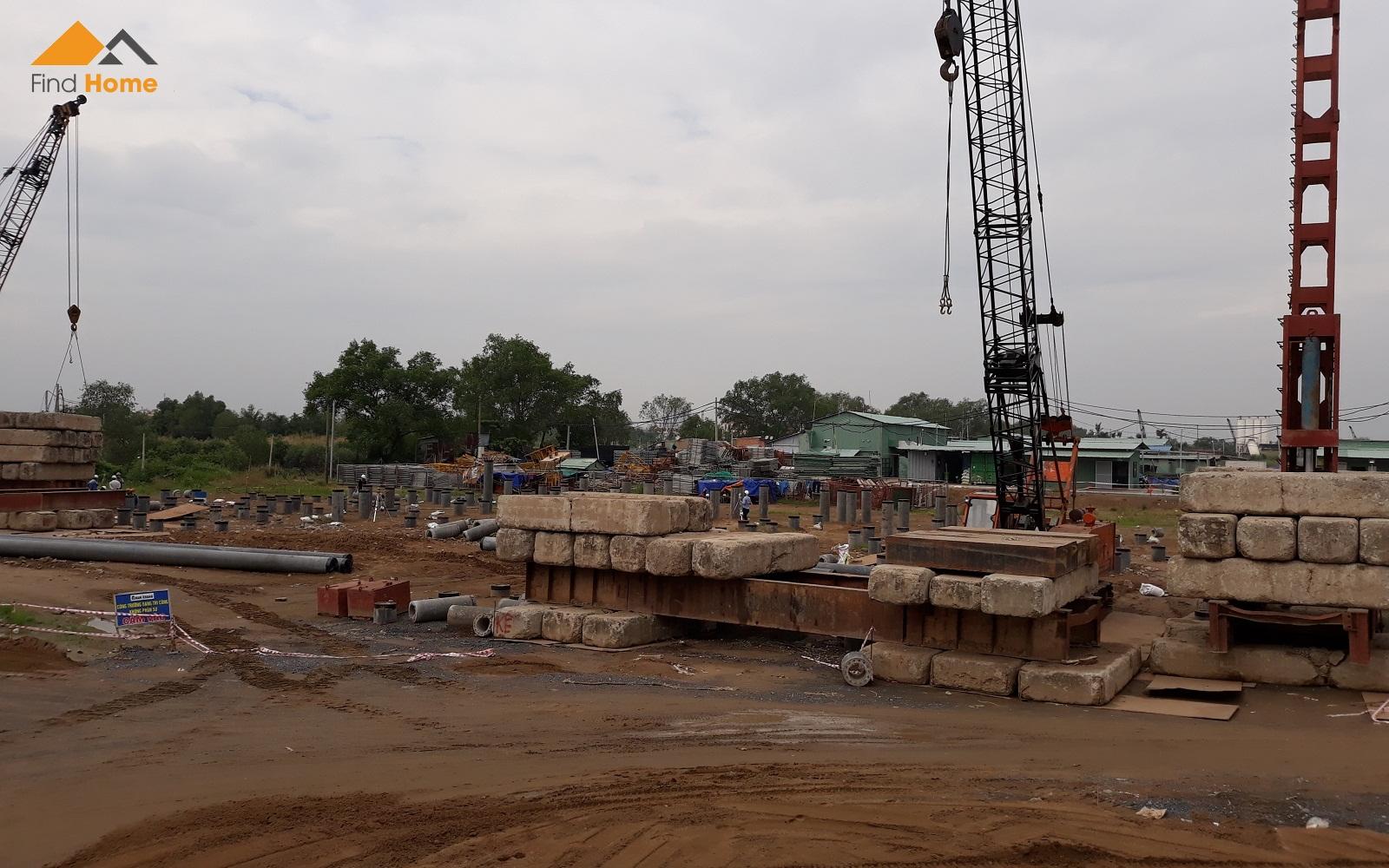Nhà thầu xây dựng đang thi công phần móng cọc Block A - Dự án NOXH Ehome S Mizuki Park Nam Long Bình Chánh