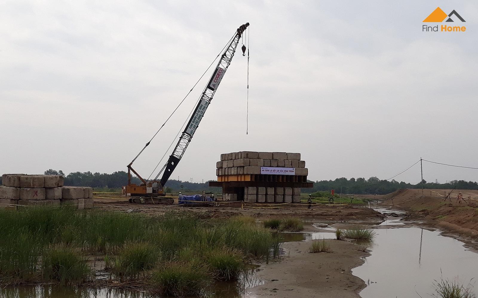 Đơn vị xây dựng đang thử tải để chuẩn bị ép cọc cho Block  FLora Mizuki Park Nam Long Bình Chánh