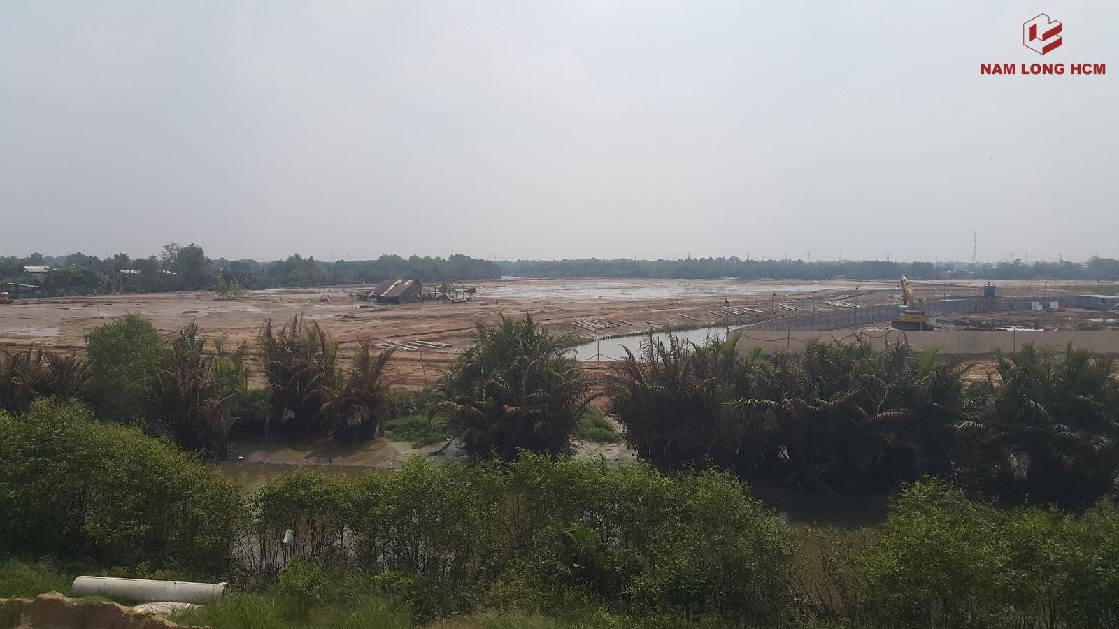 Các Block Flora Mizuki Park đối diện MP1 & MP2 đang được hút cát để chuẩn bị thi công giai đoạn tới. Ảnh: Nam Long HCM