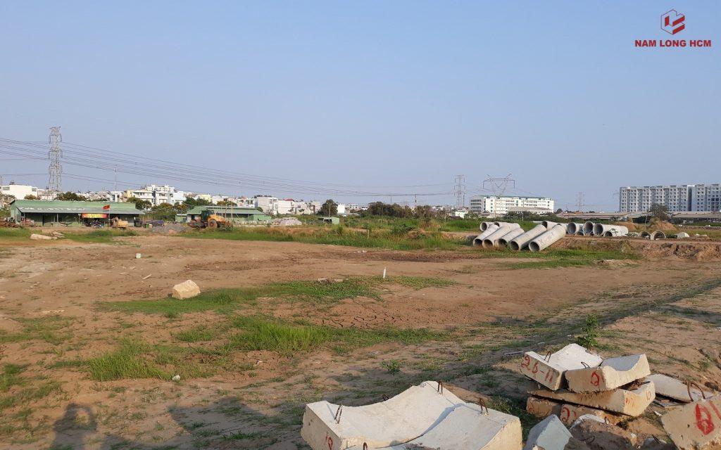 Đơn vị xây dựng đang thi công hạ tầng dự án căn hộ Akari City Nam Long Bình Tân. Ảnh: Nam Long HCM