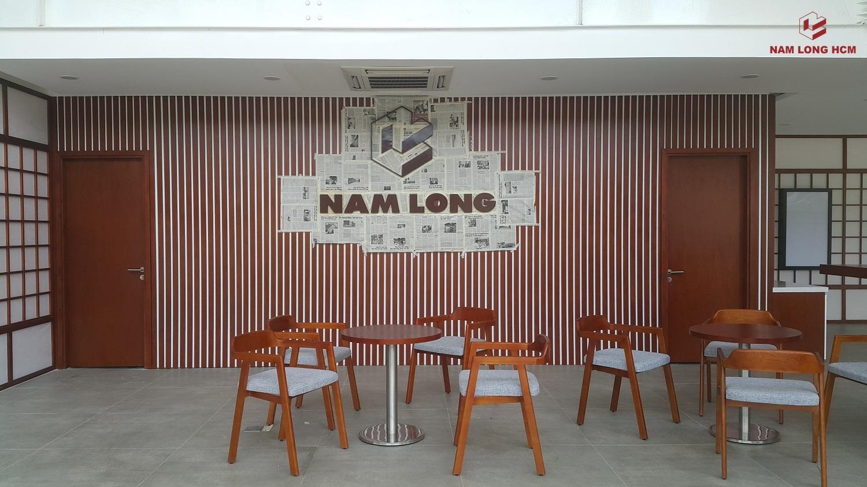 Logo của CĐT Nam Long đang được gắn tại nhà mẫu Akari City. Ảnh: Nam Long HCM