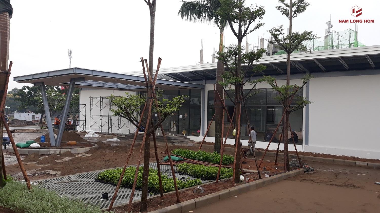 Khuông viên nhà điều hành dự án Flora Keshi đang được hoàn thiện