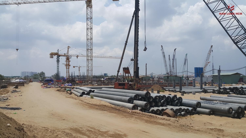 Đơn vị xây dựng đang ép cọc Block E, H dự án Ehome S Bình Chánh