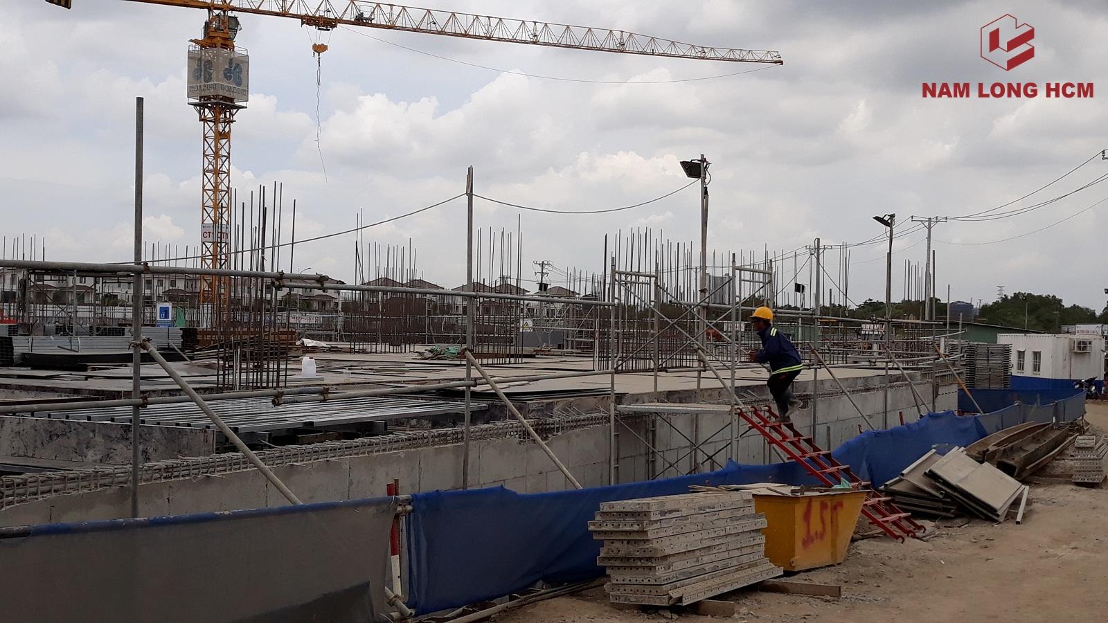 Block MP1 & MP2 dự án Flora Mizuki đang thi công sàn tầng trệt. Ảnh: Nam Long HCM