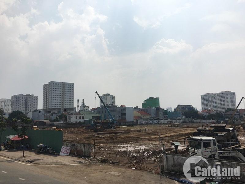 Dự án ngay vòng xoay Bình Triệu đang thi công rầm rộ.