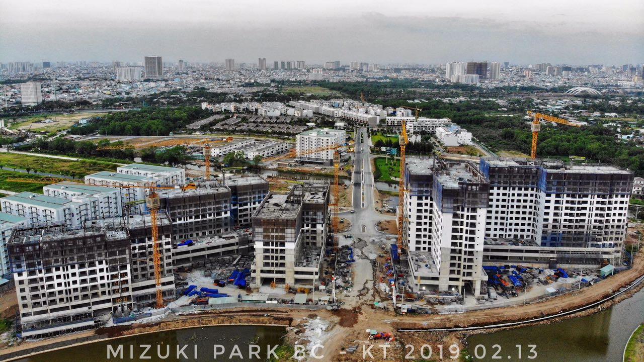 Khu đô thị Mizuki Park đang dần hình thành. Dự án có quy mô 26 hecta bao gồm các sản phẩm: căn hộ, nhà phố, biệt thự đảo. Ảnh: Kiệt Tuấn