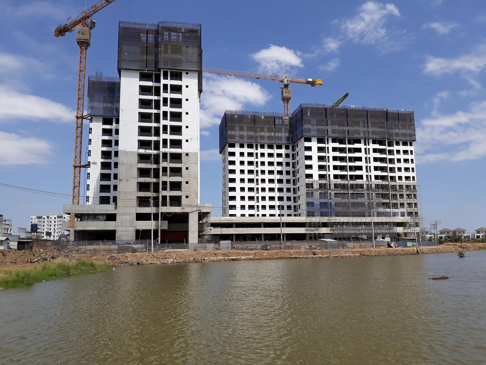 Block MP1-MP2 dự án Flora Mizuki Bình Chánh đang thi công sàn tầng 15. Ảnh: Nam Long HCM