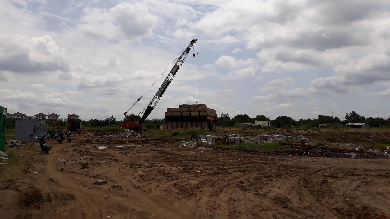 Đơn vị xây dựng chuẩn bị ép cọc giai đoạn 2 của dự án Mizuki Park Bình Chánh.