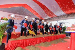 Các đại biểu thực hiện nghi thức khởi công dự án Akari City Bình Tân - Nam Long HCM