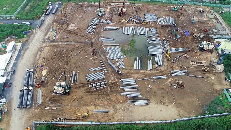 Đơn vị xây dựng đang tiến hành ép cọc các Block chung cư Akari Bình Tân
