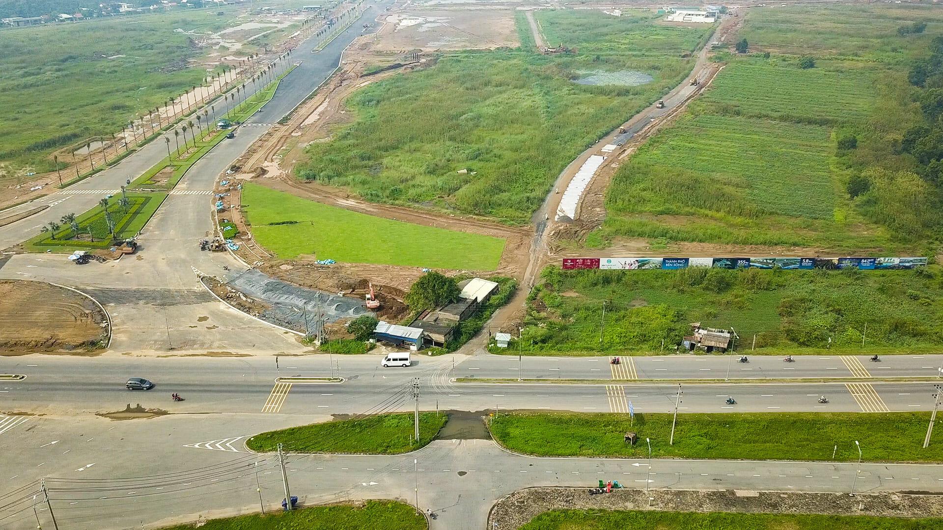 Chủ đầu tư Nam Long đang hoàn thiện hạ tầng và các trục đường chính của Khu đô thị Waterpoint Long An