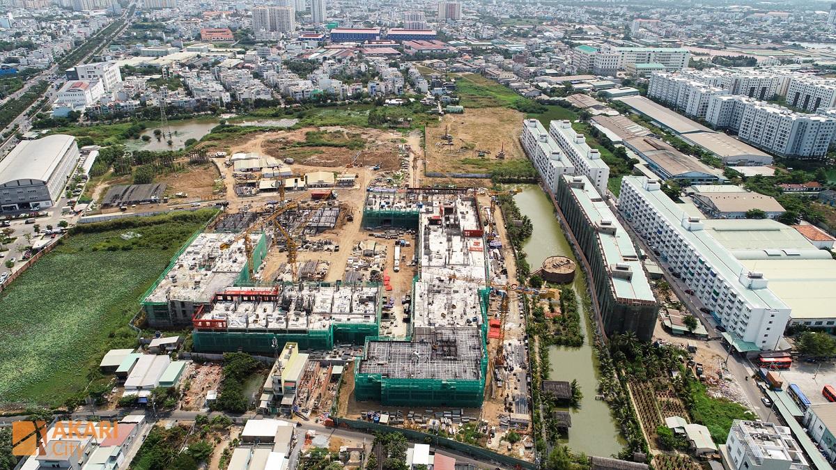 Dự án Akari City gần ngay đại lộ Võ Văn Kiệt nên thuận tiện di chuyển về trung tâm thành phố.